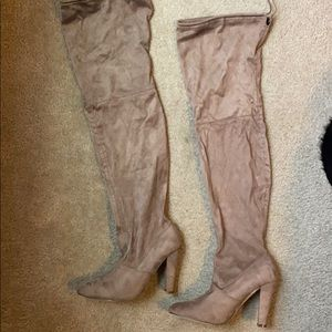 Chase and Chloe Knee High Tan boots! Size 8.5